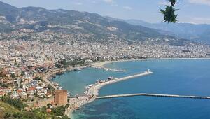 Alanya tarihi sessizliğe büründü, dünyaca ünlü sahilleri boş kaldı