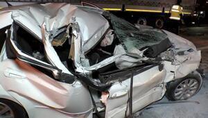 Temde feci kaza Otomobil hurdaya döndü