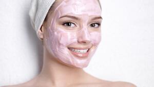 Evde besleyici pembe maske nasıl yapılır