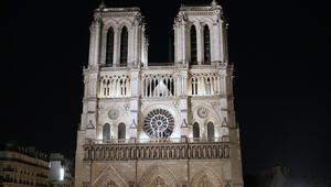 Fransanın sembolü Notre Dame yangının ardından onarılmayı bekliyor