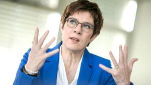 'CDU Genel Başkanı'yla şimdilik kimse ilgilenmiyor'