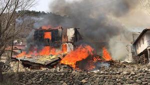 Ankarada köyde 6 ev yandı
