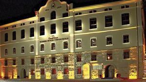 Faruk Saraç Tasarım Meslek Yüksekokulunun merkezi Bursadan İstanbula taşındı