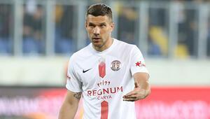 Lukas Podolskiden eleştiri: Türk kulüpleri bunu yapmıyor