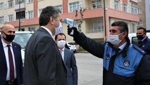 Başkan Eroğlu, semt pazarında incelemelerde bulundu