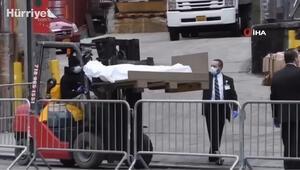 New York'ta cenaze evleri ve morglar doldu taştı