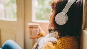 Koronavirüse Karşı Yeni Öneri: Bol Bol Müzik Dinleyin