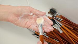 Makyaj malzemelerini temizlemenin püf noktaları