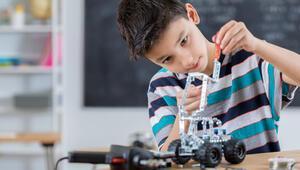 Türk öğrenciler uluslararası robot yarışlarına hazırlanıyor