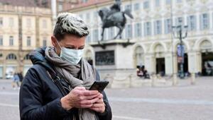 İtalya, telefonla virüsle yaşamaya başlayacak