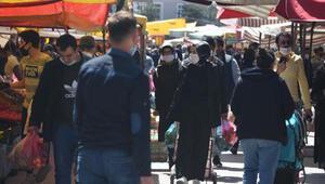 Konyada sokağa çıkma yasağı öncesi, pazar ve sokaklarda yoğunluk