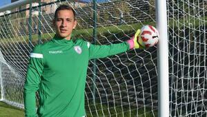 Altınordu kalecisi Erhan Erentürk, ligi ve kulübünü değerlendirdi