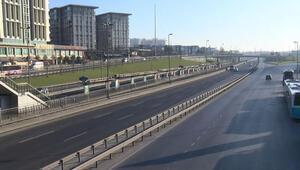 Sokağa çıkma yasağının ilk gününde İstanbulda yollar boş kaldı