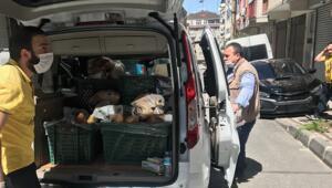 İstanbulda gazete ve ekmek araçları sokak sokak geziyor