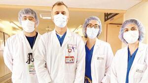 Türk doktorlar New York'taki salgını anlattı: Savaş alanındaki askerler gibiyiz