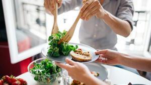Karantina sürecinden kilo almadan çıkın: Porsiyon kontrolü sağlamak için 6 ipucu