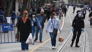 Eskişehir'de yasak sonrası pazarlar ve sokaklar doldu