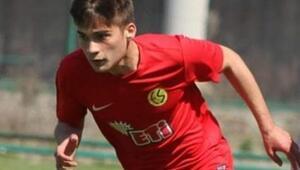 Son Dakika: Eskişehirsporun 20 yaşındaki futbolcusu Kaan Öztürk hayatını kaybetti