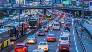 Sokağa çıkma yasağı bittiğinde trafik yoğunluğu artıyor