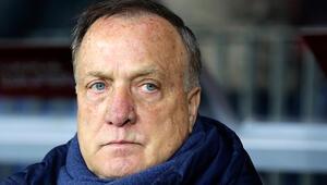 Feyenoord, Dick Advocaatla 1 yıl daha imzaladı