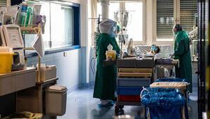İtalyada corona virüsten can kaybı 24 bin 648e yükseldi