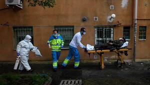 İngilterede Kovid-19 kaynaklı ölümler 17 bini geçti