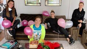 Demet Akalına eşinden doğum günü sürprizi