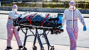 İtalyada Kovid-19 kaynaklı can kaybı sayısı 25 bini geçti