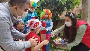Hatayda 6 yaşına giren lösemi hastası çocuğa sürpriz doğum günü