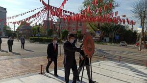 Yenişehirde sosyal mesafeli 23 Nisan töreni