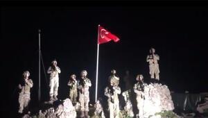 Kahraman Mehmetçiklerimiz İstiklal Marşını okudu