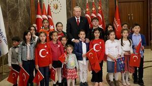 Cumhurbaşkanı Erdoğan ulusa seslendi ve çocuklarla birlikte İstiklal Marşını okudu