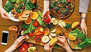 Hürriyet Bilim Kurulu yanıtlıyor: Oruç arasında sebze meyve tüketin