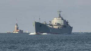 Rus savaş gemisi Saratov İstanbul Boğazından geçti