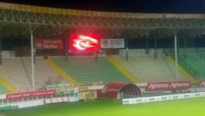 Alanyasporun stadında, İstiklal Marşı 23 Nisan için çaldı