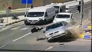Kırmızı ışıkta hızla çarptı Korkunç kaza...