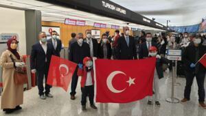 ABDdeki Türkler ülkeye dönmek üzere Washingtondan yola çıktı