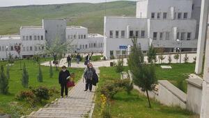 Mardinde karantina süresi dolan 201 kişi memleketlerine gönderildi