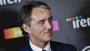 Roberto Manciniden corona virüsü yorumu: Lig devam etmezse daha iyi olur