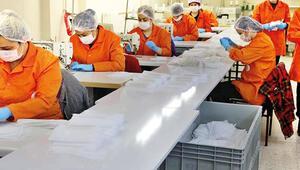 Cezaevleri haftada 1 milyon maske üretti