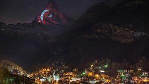 Türk bayrağı İsviçre Alplerinin zirvesinde