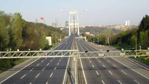 İstanbulda köprüler ve yollar boş kaldı