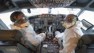 THYnin tahliye seferinde özel anlar... Uçuş ekibi Corona Virüsten ölen meslektaşlarını unutmadı