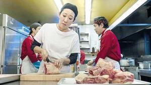 Sandra Oh: Medikal diziler ekipmanlarını hastanelere bağışlasın