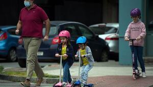 İspanya'da 14 yaş altı çocukların dışarı çıkmasına izin verildi