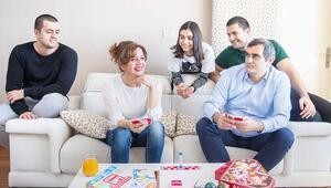 CHP İstanbul Milletvekili Ali Şekerin evine konuk olduk... Eşi anlattı: Ali evlilik teklif etmedi