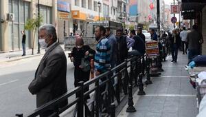 Adana sokaklarında, 4 günlük yasak sonrası hareketlilik