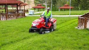 Sivasta park ve bahçelerde bahar temizliği