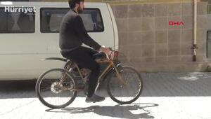 Üniversite öğrencisi bisikletine motor taktı