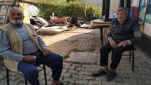 Arnavutköyde 80 yaşındaki baba, barakada  60 yaşındaki hasta oğluna bakıyor